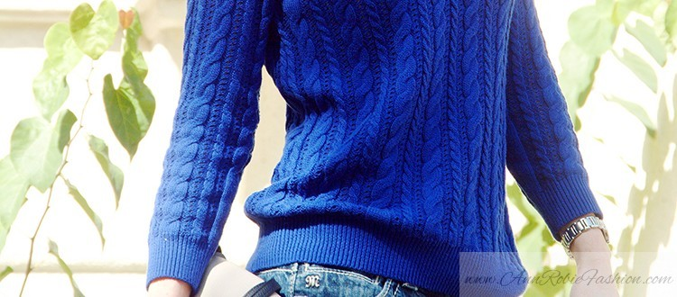http://annrobiefashion.com/wp-content/uploads/2014/09/Blue-sweater-blue-Elie-Tahari-heels